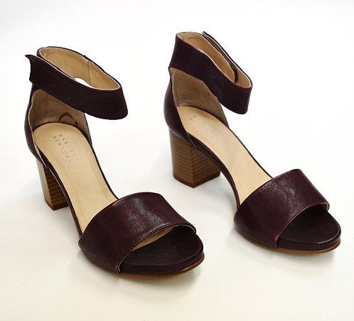 Barneys New York Wine Leather Heels Size 7