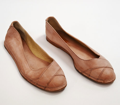 Frye Pink Leather Flats Size 7.5