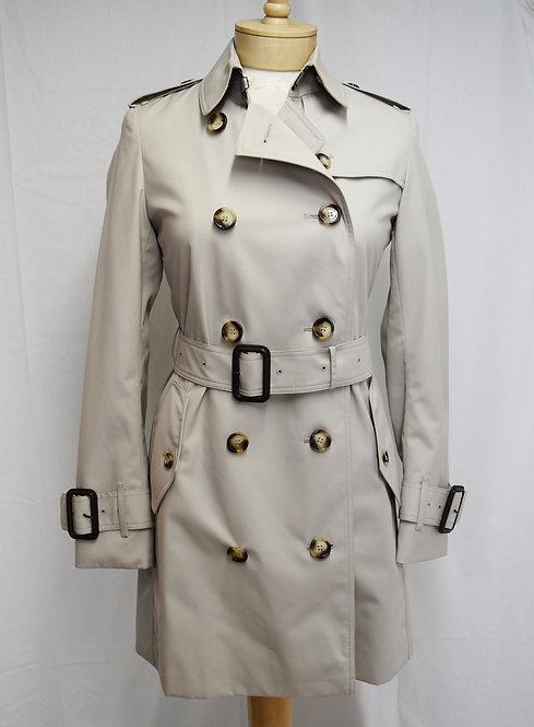 Burberry Beige Trenchcoat Size XS (2)
