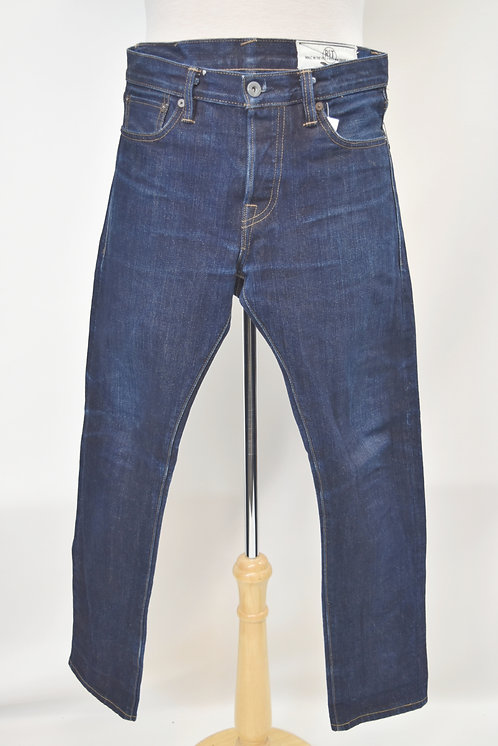 Rogue Territory Medium Wash Jeans Size 30