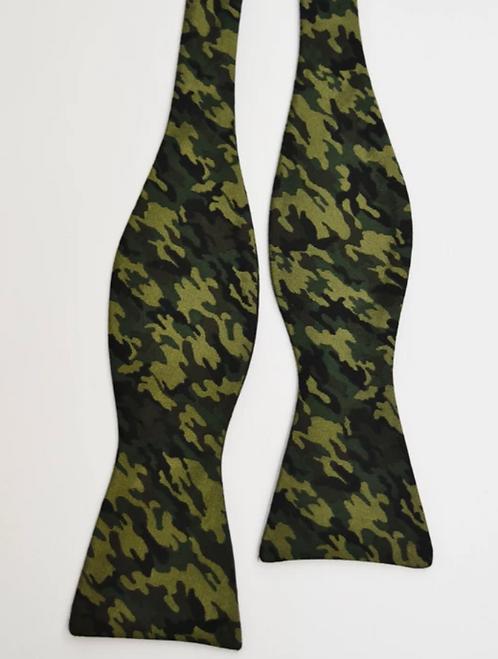 Ike Behar Green Camo Silk Bowtie