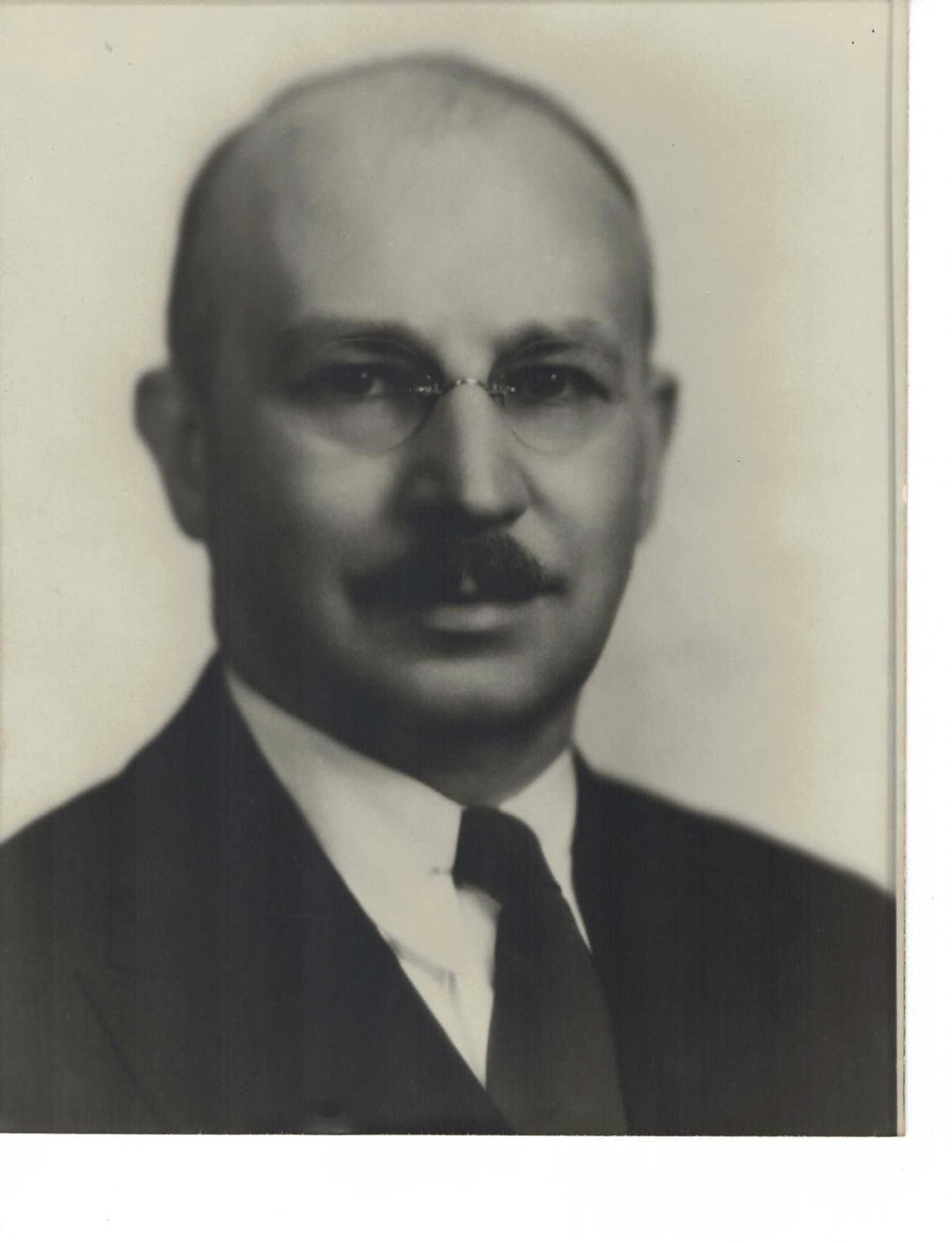 RALPH HAWLEY 1932-33