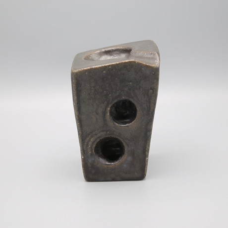 Mystery Plinth, medium