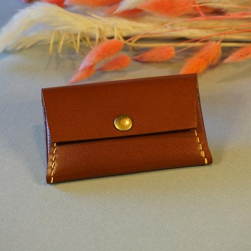 Porte-Monnaie en cuir / marron & fil jaune