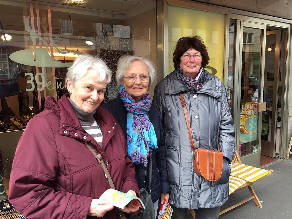 Drei Damen auf Südstadt Safari