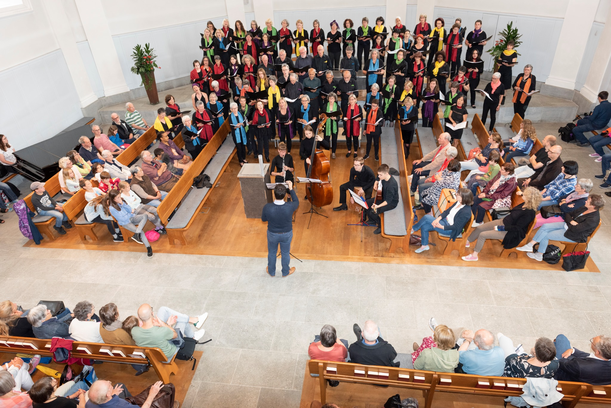 Chor in der Kirche_Werner Rolli