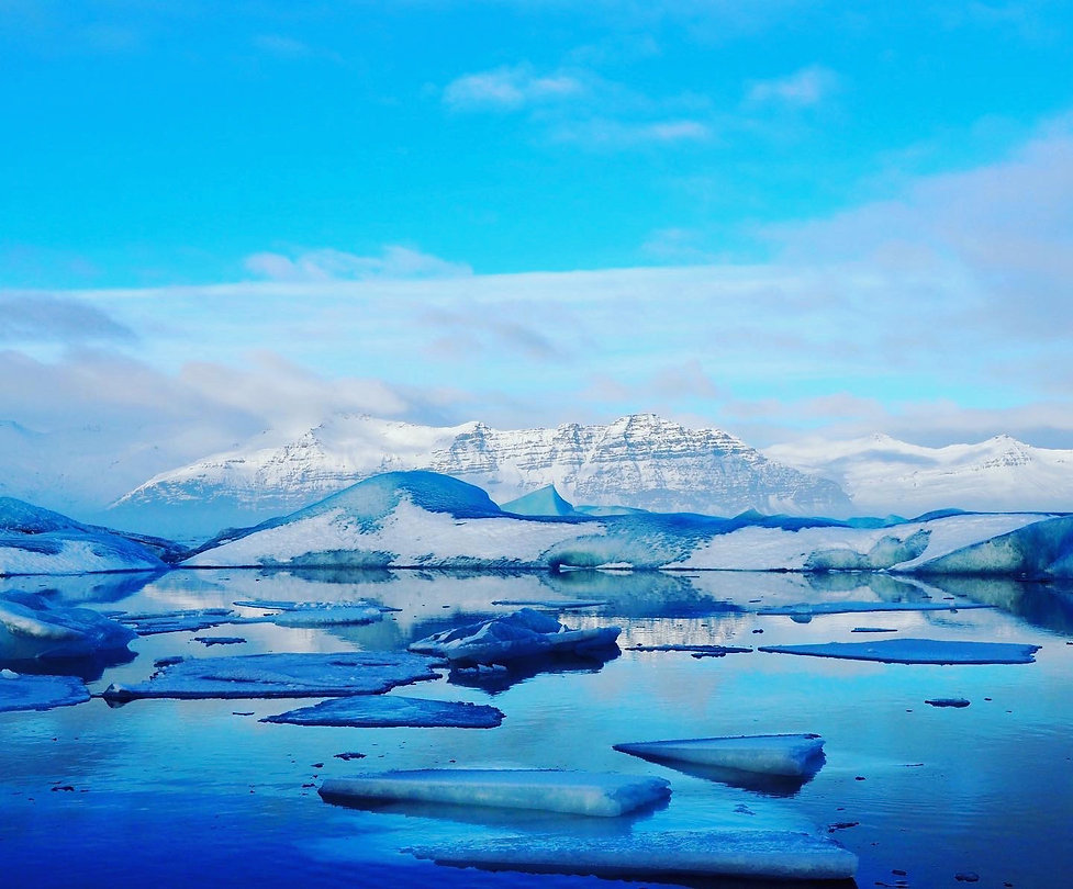 Glacier lake Jökulsárlón.jpeg