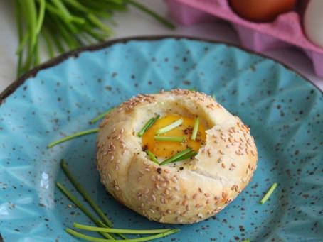 Broodje ei met kaas uit de oven