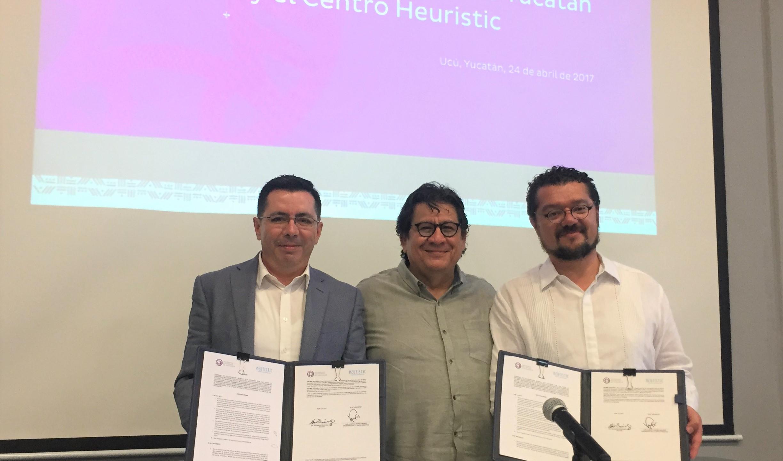 Firma del convenio UPY-Heuristic