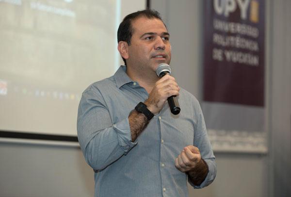 Titular de SEPLAN visita la UPY