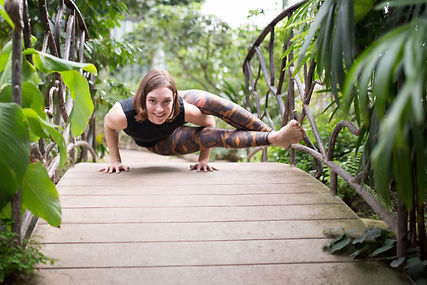 Yoga asana photographe lyon meditation zen feelgood