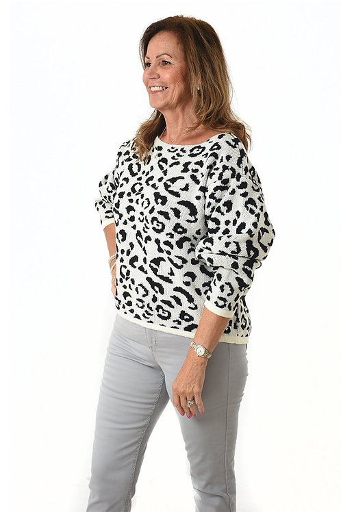 Black and White Leopard Jumper