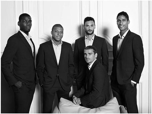 Equipe de France en costumes Smalto.JPG