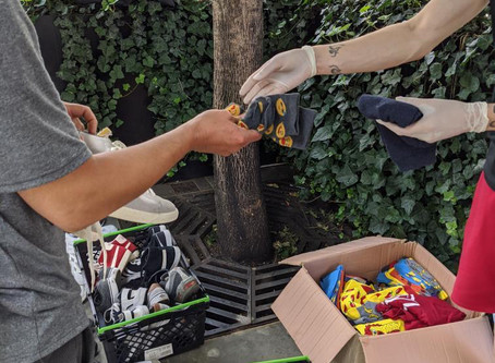 150 Pairs of Socks Donated to Resole CIC