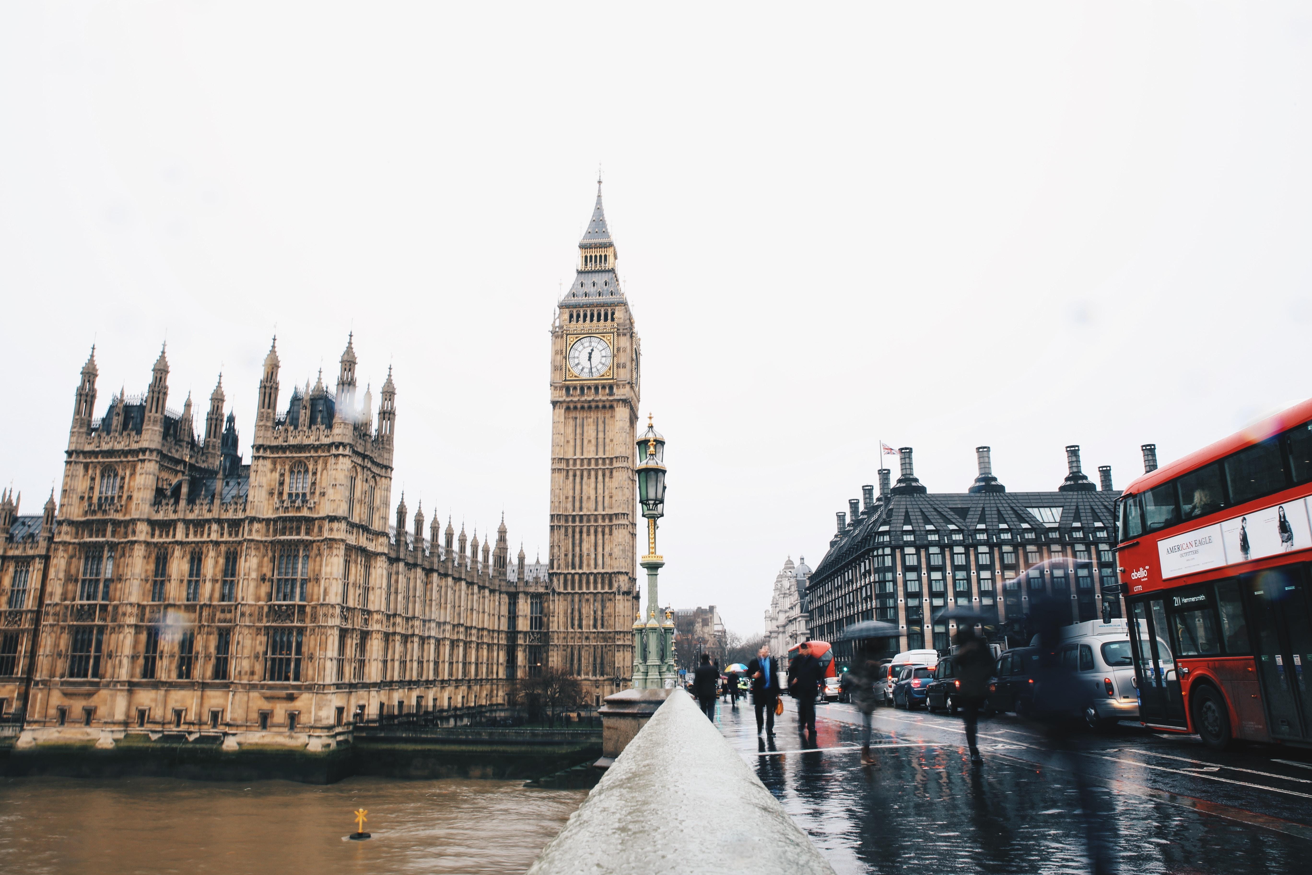 London process server