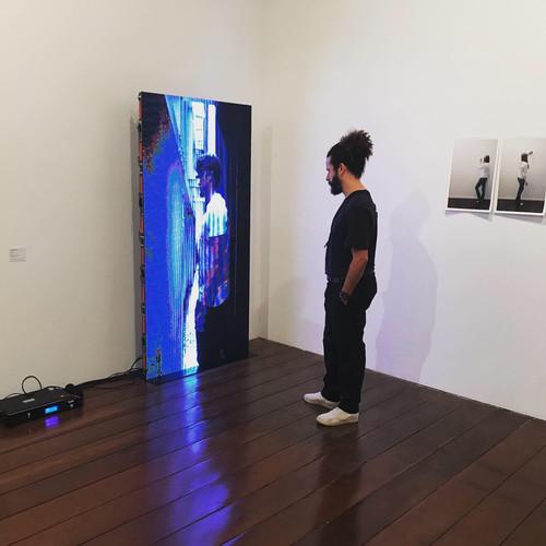 """""""Estreito"""" (2018), Coletivo @7, Museu de arte de Ribeirão Preto, SP"""