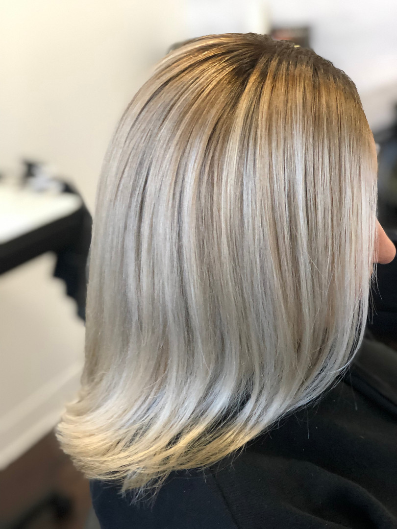 Gorgeous Icy Shadow Root