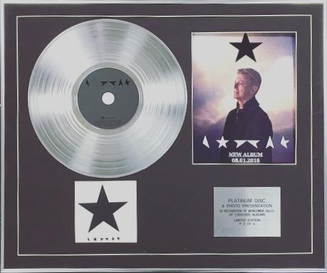 DAVID BOWIE - Limited Edition Platinum Disc + Photo - BLACKSTAR