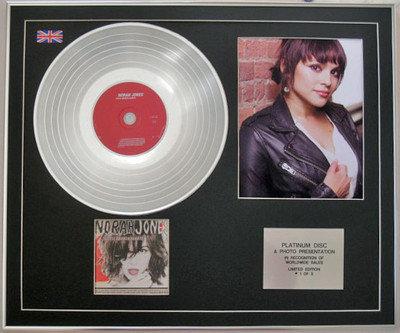 NORAH JONES-  CD Platinum Disc + Photo - LITTLE BROKEN HEARTS