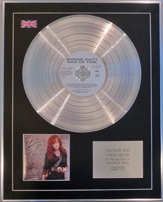 BONNIE RAITT - Limited Edition CD Platinum Disc - NICK OF TIME