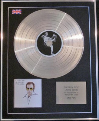 ELTON JOHN - CD Platinum Disc- GREATEST HITS 1970-2002