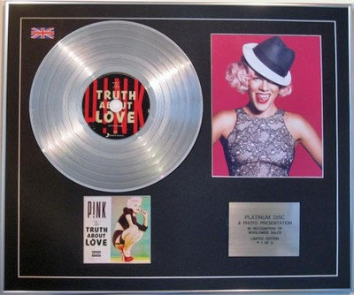 PINK - CD Platinum Disc + Photo - TRUTH ABOUT LOVE