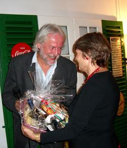 Bruckner donne le cadeaux