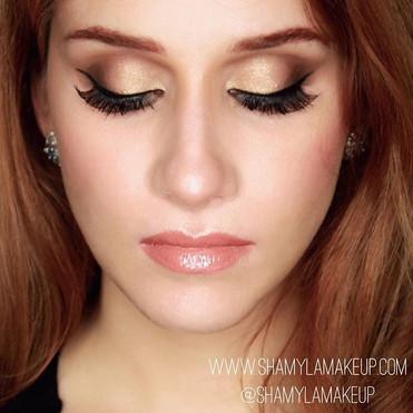 Gold and bronze smokey eyes