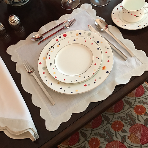 Scalloped Linen Placemat