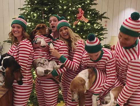matching-family-christmas-pajamas-160227