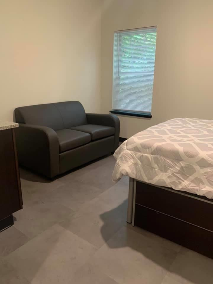 Private Fully-Furnished Bedroom