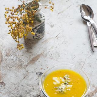 saffron_yellow_pepper_soup_2.jpg