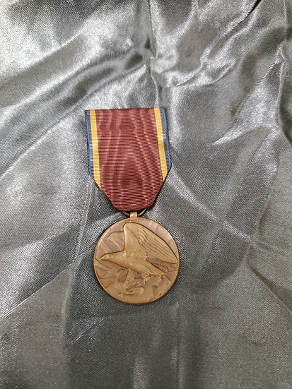 WWII US NAVAL RESERVES MEDAL