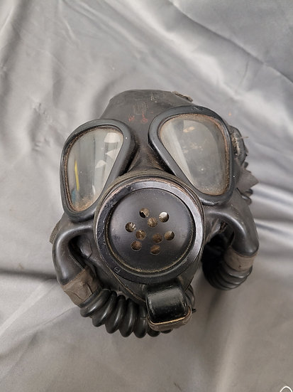 WWII US NAVY GAS MASK