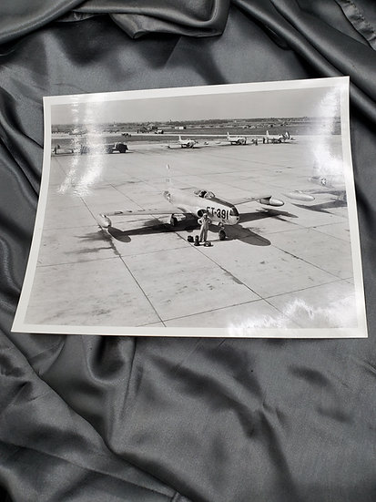 1950'S PHOTO OF MILITARY PLANE