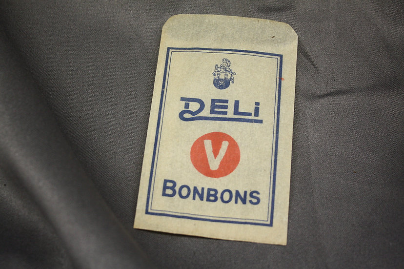Vintage German Bonbons Sleeve