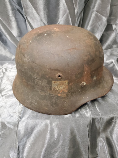 WWII GERMAN M35 ARMY HELMET