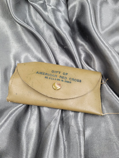WWII ARC SEWING KIT