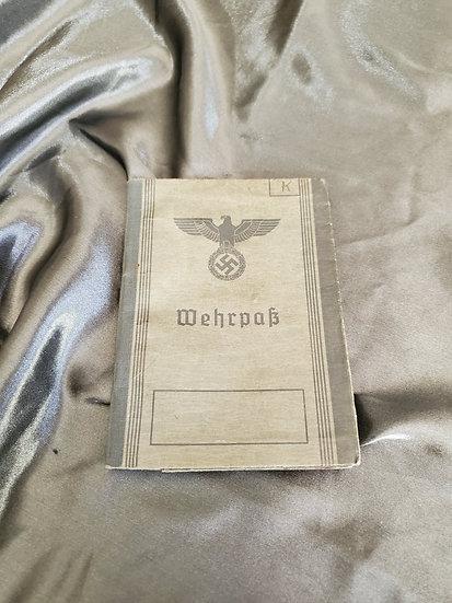 WWII GERMAN WEHRPAS