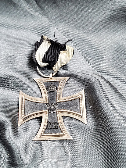 WWI GERMAN IRON CROSS V MAKER