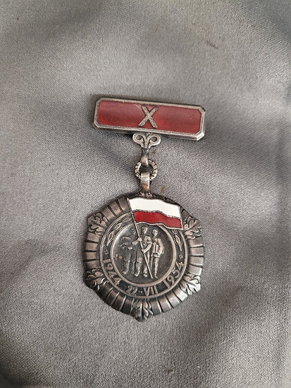 POST-WWII 10 YEAR POLISH MEDAL