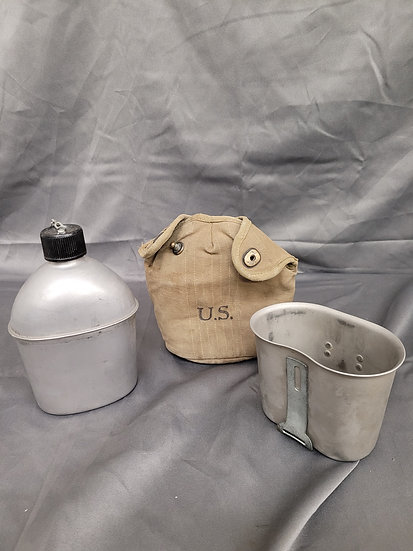 WWII US CANTEEN SET