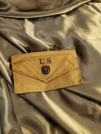 WWII US FIRST AID POUCH