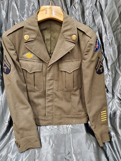 WWII US ENLISTED IKE JACKET