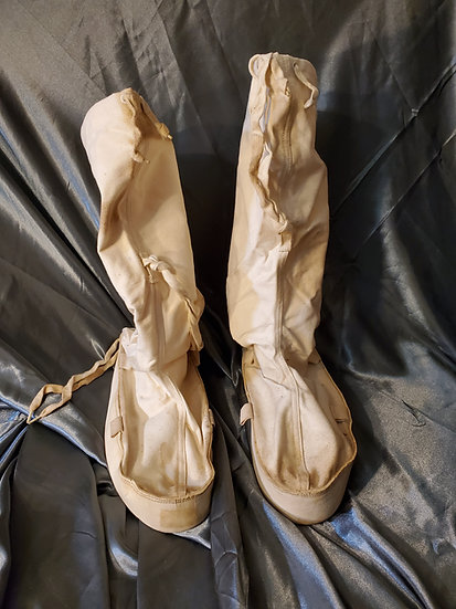WWII US SNOW MUKLUKS SIZE LARGE