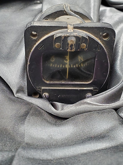 WWII US AIRCRAFT FLIGHT COMPASS
