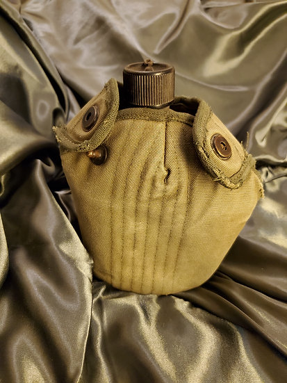 WWII US CANTEEN