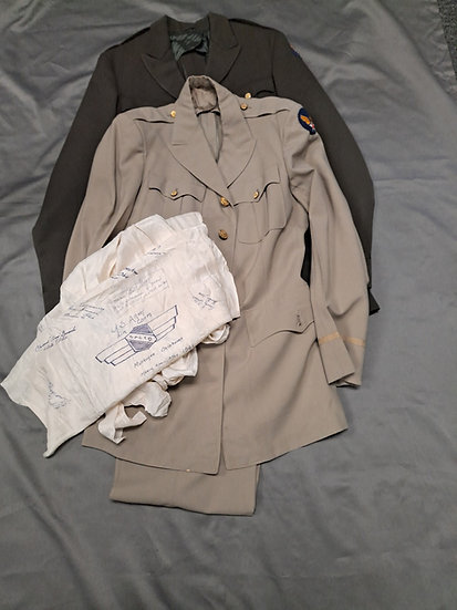 WWII US ARMY AIR CORPS UNIFORM GROUPING