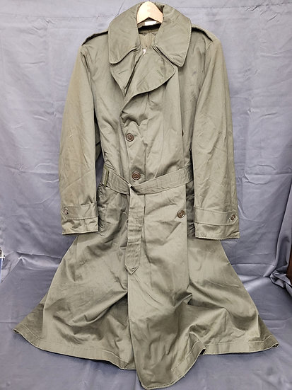POST WWII DATED TRENCH COAT WITH LINER