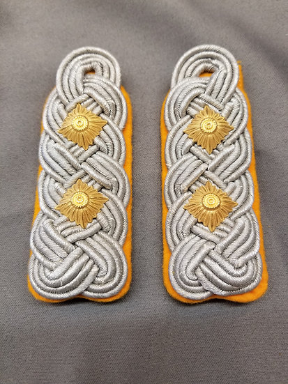 Luftwaffe Oberts Shoulder Boards